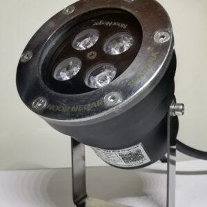 چراغ استخری 12 وات DMX یکیازمحصولات شرکت نورنگار برای نورپردازی استخر و نورپردازی آبنما است. چراغ استخری DMX از یک کنترلر انیمیشن دریافت میکند و بسیار جذاب است. این محصول دارای استاندارد IP68 از آزمایشگاه های تست مقاومت در برابر آب می باشد.